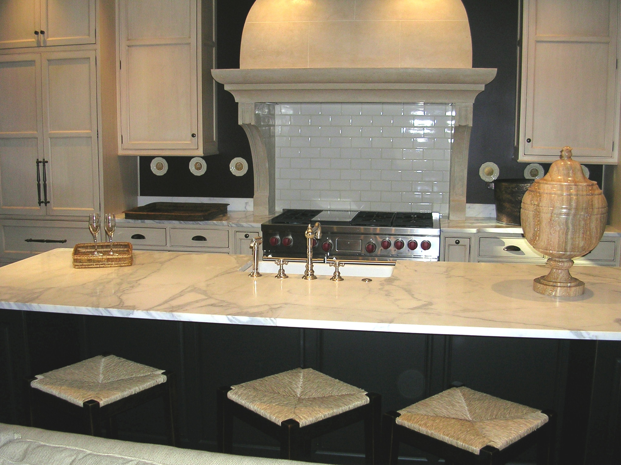Marble Vs Granite Kitchen Countertops Quartzite Vs Marble Precision Stoneworks